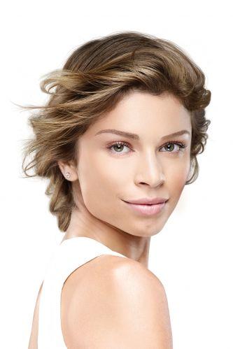 Grazi Massafera foi a escolhida pela L'Oréal Paris para estrelar a campanha de lançamentos da linha de hidratante UV Perfect que chega ao mercado brasileiro até o início de outubro