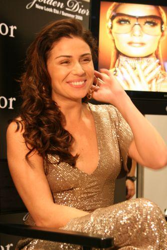 A atriz Giovanna Antonelli foi escolhida pela marca Dior para ser a modelo do look Verão/2009 de maquiagem