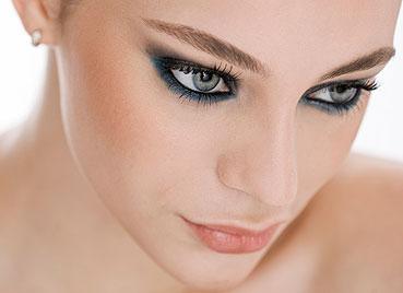 Maquiagem de formatura exige cuidado com tendências de curto prazo
