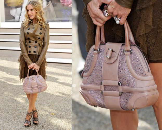 Sarah Jessica Parker usa bolsa do modelo