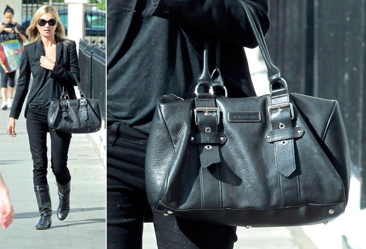 Kate Moss usa modelo de bolsa da Longchamp que faz parte da coleção criada por ela em parceria com a marca