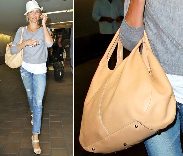 Cameron Diaz usa uma bolsa de modelagem bem clean da tradicional marca Tod's