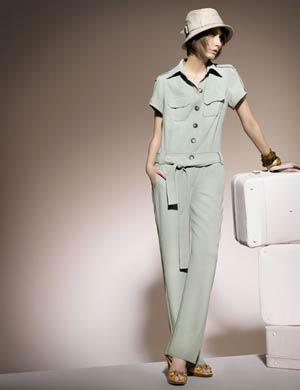 Nakao deixou o São Paulo Fashion Week em 2004, após famoso desfile de roupas de papel