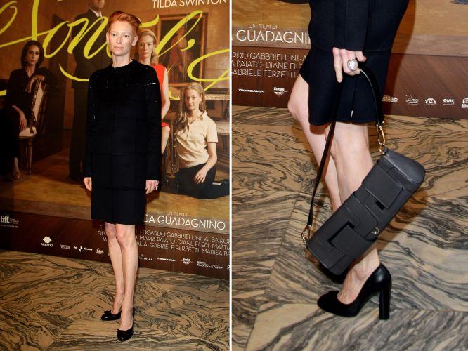 A atriz Tilda Swinton valorizou seu estilo andrógino ao escolher um vestido  da coleção inverno 2010 de Jil Sander para usar no lançamento do filme