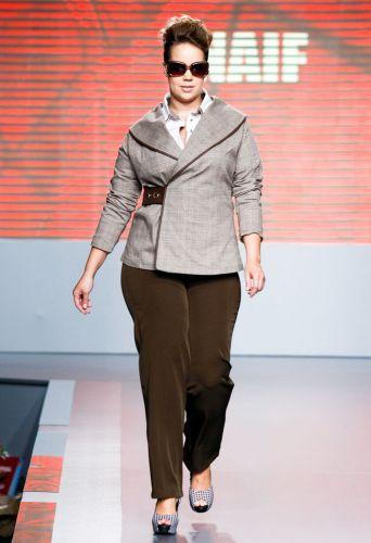 A Naif apresenta coleção para o Inverno 2012 durante o segundo dia de Mega Polo Moda. O evento é realizado pelo famoso shopping atacadista do Brás, bairro de São Paulo conhecido pelas lojas de moda popular (28/02/2012)