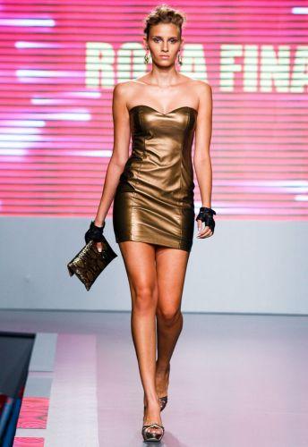 A Rosa Fina apresenta coleção para o Inverno 2012 durante o segundo dia de Mega Polo Moda. O evento é realizado pelo famoso shopping atacadista do Brás, bairro de São Paulo conhecido pelas lojas de moda popular (28/02/2012)