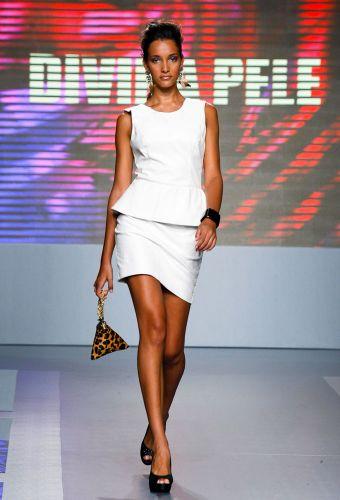 A Divina Pele apresenta coleção para o Inverno 2012 durante o segundo dia de Mega Polo Moda. O evento é realizado pelo famoso shopping atacadista do Brás, bairro de São Paulo conhecido pelas lojas de moda popular (28/02/2012)