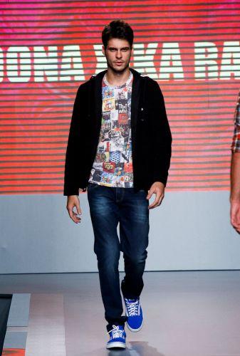 A Dona Xika Rapaz apresenta coleção para o Inverno 2012 durante o segundo dia de Mega Polo Moda. O evento é realizado pelo famoso shopping atacadista do Brás, bairro de São Paulo conhecido pelas lojas de moda popular (28/02/2012)