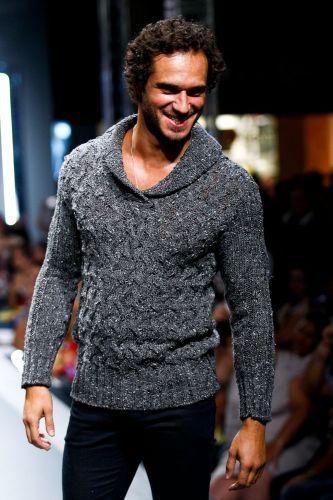 Paulo Rocha posa durante o segundo dia de Mega Polo Moda. O evento é realizado pelo famoso shopping atacadista do Brás, bairro de São Paulo conhecido pelas lojas de moda popular (28/02/2012)