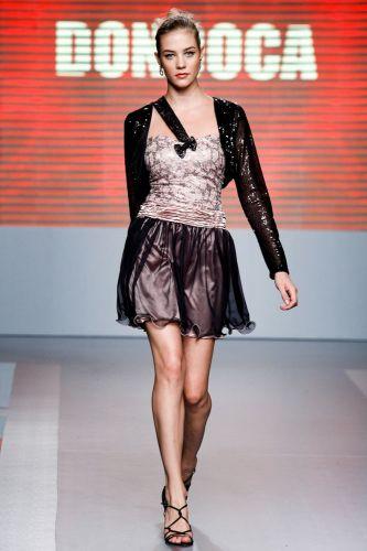 A Dondoca apresenta coleção para o Inverno 2012 durante o terceiro dia de Mega Polo Moda. O evento é realizado pelo famoso shopping atacadista do Brás, bairro de São Paulo conhecido pelas lojas de moda popular (29/02/2012)
