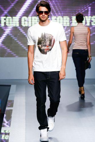 A For Girls For Boys apresenta coleção para o Inverno 2012 durante o terceiro dia de Mega Polo Moda. O evento é realizado pelo famoso shopping atacadista do Brás, bairro de São Paulo conhecido pelas lojas de moda popular (29/02/2012)