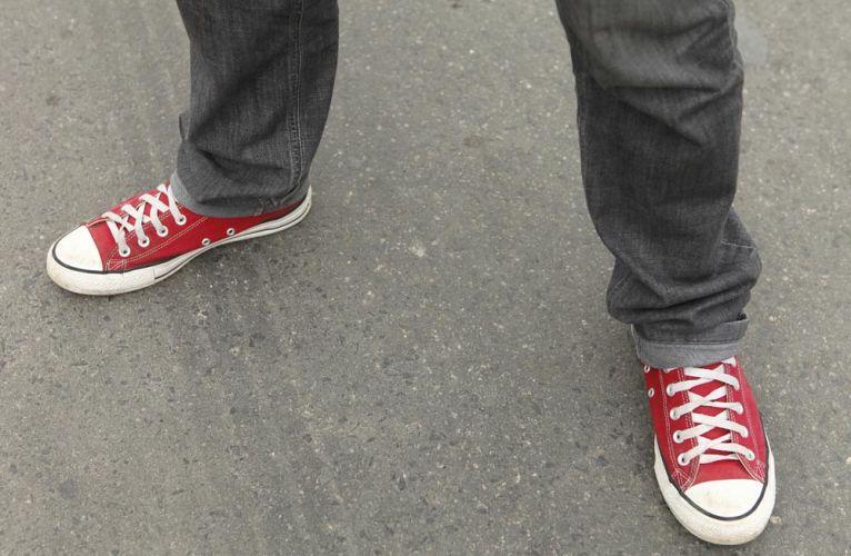 Dicas para usar tênis vermelho masculino (13)