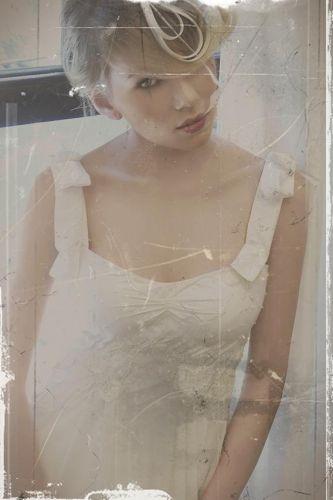 Vestido de noiva criado pela estilista Emannuelle Junqueira, a mesma que assinou o modelo usado por Sandy em seu casamento