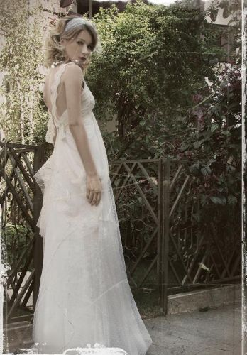 Os vestidos criados por Emannuelle Junqueira custam a partir de cinco mil reais