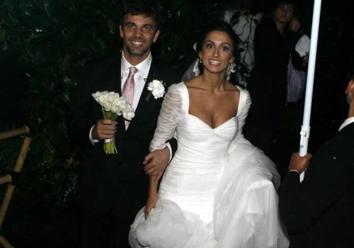 O ator Marcelo Faria casou-se com Camila Lucciola, em vestido de mangas 3/4 plissadas da marca carioca Mimosa Alta-Costura (16/07/10)