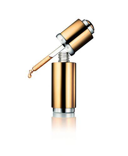 20 ANOSCellular Radiance Concentrate Pure Gold, La Prairie, R$ 2.065. Contém vitaminas C e E, que previnem o envelhecimento. A combinação de ácido glicólico, láctico e málico promovem uma renovação da camada superficial da pele por meio de uma esfoliação e microesferas de ácido hialurônico diminuem as linhas de expressão e proporcionam hidratação de longa duração. SAC: (11) 3082-0820Preços pesquisados em agosto de 2011 e sujeitos a alterações