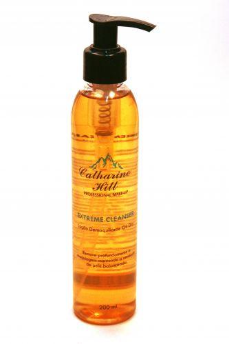 Marca especializada em maquiagem artística, a Catharine Hill lança o demaquilante Extreme Cleanser para remover maquiagem à prova d'água. Preço sugerido: R$ 56,80. SAC (11) 5070 1060