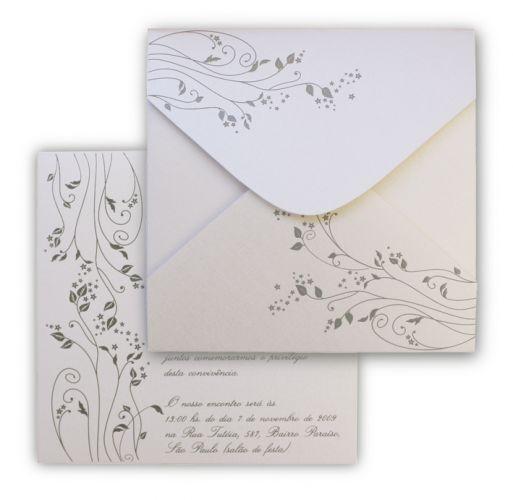 Modelo quadrado com impressão do texto em relevo americano prata e envelope quatro pontas com estampa; R$ 489 (100 unidades), na Art Invitte
