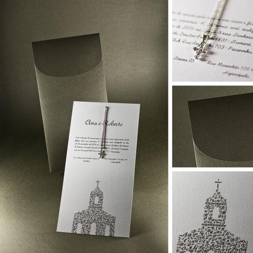 Modelo com crucifixo em strass e minicorrente; R$ 1.640 (100 unidades), na Laviva Convites