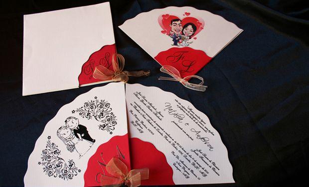 Modelo em formato de leque é uma boa opção para noivos mais descolados. Destaque para o laço com fita de voil na cor dourada; R$ 330 (100 unidades), na Art Foco