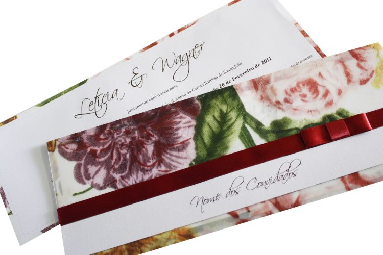 Motivos florais estão em alta; R$ 8,50 a unidade, na Flor de Papel Convites Especiais