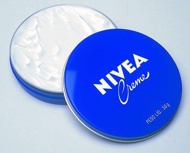 Sua embalagem é nostálgica e o poder hidratante ainda é o mesmo. Creme Hidratante, Nivea, R$ 8,88, SAC 0800 7764832