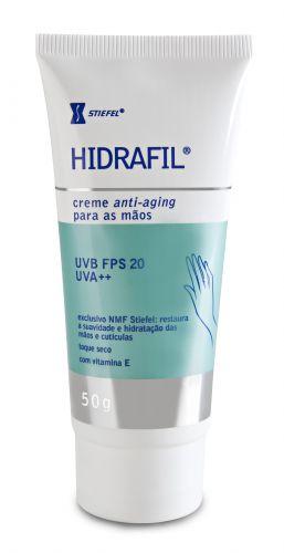 Hidrafil Creme anti-aging para as mãos com FPS 20, Stiefel. Combina vitamina E, com ação antioxidante, e um complexo que reúne 15 ativos hidratantes. Assim, forma um filme protetor que impede a perda excessiva de água, mantendo a pele macia e sedosa. Segundo a marca diminui os sinais do envelhecimento das mãos, hidratando-as e protegendo-as das radiações UVA e UVB. Preço sugerido: R$ 28. SAC: 0800-7043189Preços pesquisados em julho/2011 e sujeitos a alteração