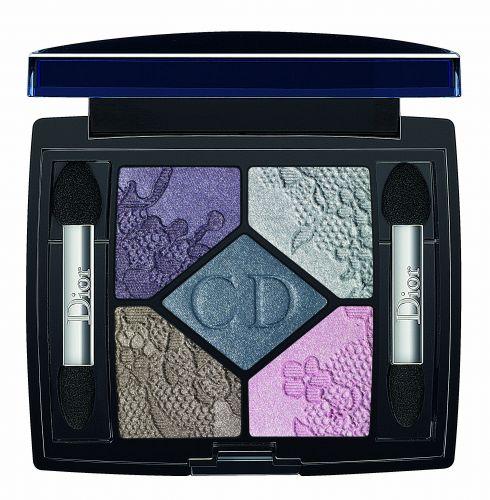 A paleta de sombras 5 Couleurs, da coleção Dentelle da Dior, é opção de presente para as mães que adoram maquiagem. Preço sugerido: R$220,00. SAC: 0800 17 0506