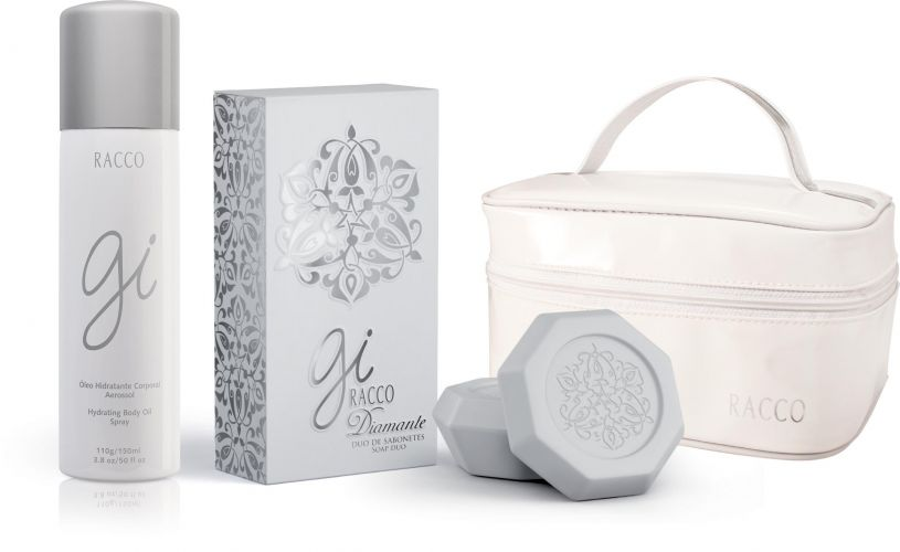 Kit Diamante, da Racco, é opção para as mães que não abrem mão de cuidar da pele. É composto pelo Óleo Gi, que promete uma hidratação intensa com aplicação aerossol, um nécessair e um duo de sabonetes Gi. Preço sugerido: R$ 49,90. SAC: 0800 789 1011
