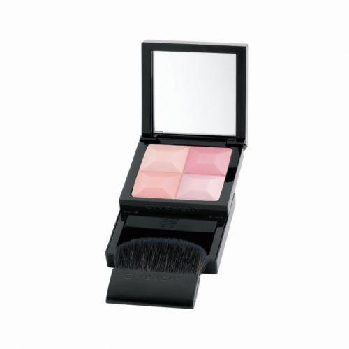 O blush Prisme, da Givenchy, vem com quatro tonalidades de rosa e combina com diversos tons de pele. Preço sugerido: R$ 160,00. SAC: 0800-170506