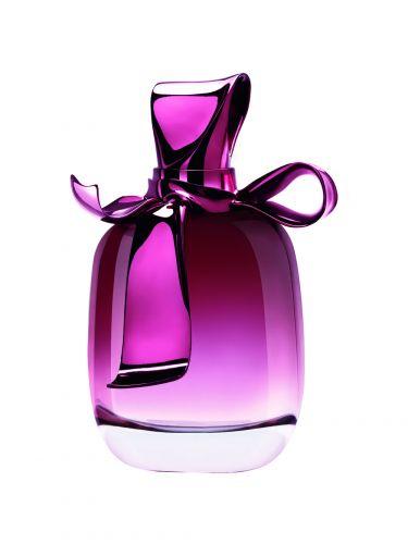 O perfume Ricci Ricci é indicado para mães alegres e divertidas. Os preços sugeridos variam de R$ 169,00 (30 ml) a R$ 339,00 (80 ml). SAC: 0800 7043440