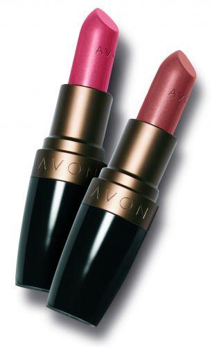 Batons da linha Smooth Minerals, da Avon, têm proteção solar de fator 15 e prometem hidratar os lábios, deixando-os macios e suaves. Disponível em oito cores. Preço sugerido: R$ 17,00. SAC: 0800 708 2866