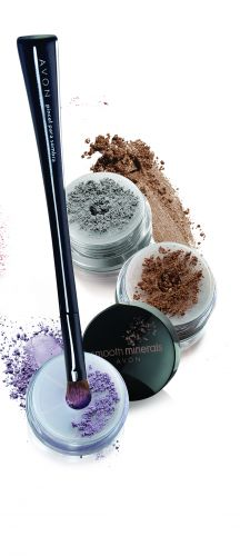 Smooth Minerals Sombra em Pó, da Avon, é opção para mães que gostam de maquiagem e querem experimentar produtos feitos com pigmentos naturais. Disponível em 4 opções de cores. Preço sugerido: R$18,00. SAC: 0800 708 2866