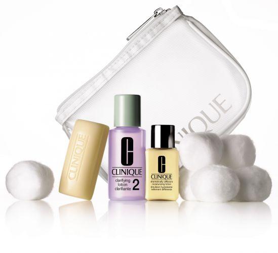 Kit 3 Steps, da Clinique, traz o sistema de limpeza de pele clássico da marca em embalagens reduzidas, ideal para viagens. Preço sugerido: R$ 50,00. SAC: (11) 5501-9005