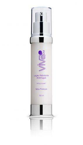 A loção hidratante antirrugas da Linha Viva Dia (45+) da Extratos da Terra promete proteger a pele de forma intensiva contra agentes causadores do envelhecimento. Preço médio: R$ 59,00. SAC: (48) 3342 0087