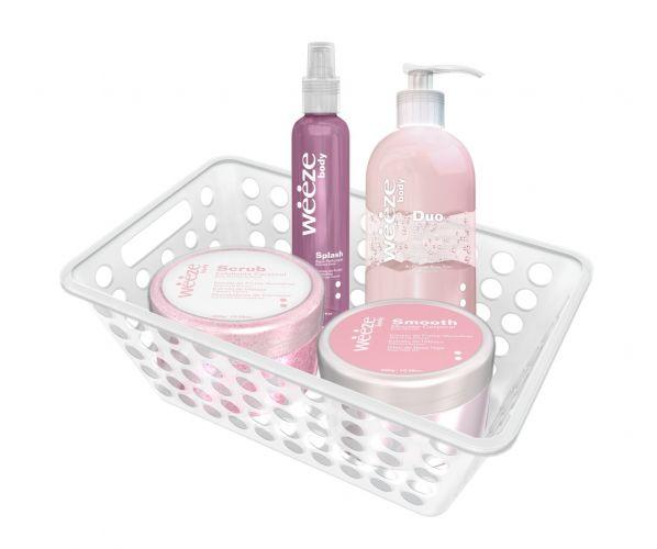 O kit de banho da Weeze vem com splash corporal, hidratante, esfoliante e manteiga corporal. Preço médio: R$ 165,00. SAC: (17) 3808 9900