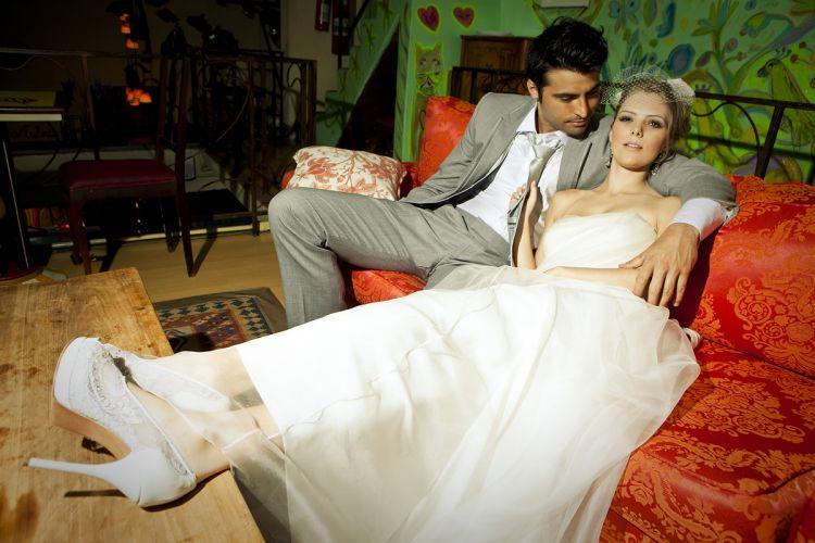 Para complementar o vestido Vera Wang na White Hall (R$ 14.600), sapato do designer Fernando Pires em modelo peep toe rendado com aplicação de cristais (R$ 966) Preços pesquisados em dezembro de 2011 e sujeitos a alterações