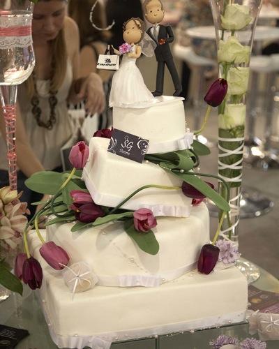 Fotos espontâneas são sugestão para os noivos mais modernos. A Foco Estudio lançou variedades de modelos e formatos. Um ensaio com 80 fotos sai por R$ 2.990 (Tel.: 11 3010 - 9898)