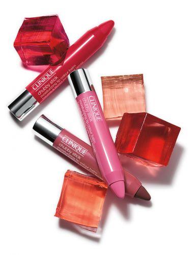 PARA OS LÁBIOSBatom hidratante com cor, Chubby Stick Moisturizing Lip Colour Balm; R$ 75, da Clinique (SAC 0800 727 9991)Preços pesquisados em julho de 2011 e sujeitos a alterações