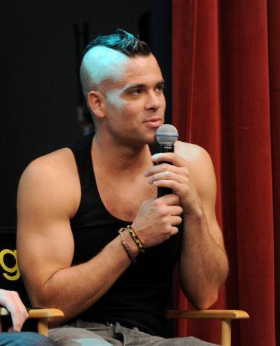 Tendência: moicano. O personagem Noah Puckerman, interpretado por Mark Salling, representa o lado rebelde do seriado Glee; por isso, a referência punk do cabelo moicano