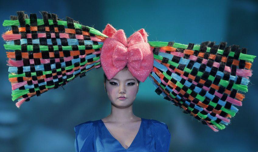 Laço gigante é aposta dos cabeleireiros coreanos para o ano que vem (06/12/2011)