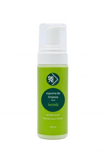 Abril 09: A Espuma de Limpeza Facial Hortelã, da Sete Sensorial Trends, é indicada para peles normais a oleosas. O produto promete uma limpeza com sensação de frescor, sem agredir a pele. Preço sugerido: R$ 36,90. SAC 0800-7737700