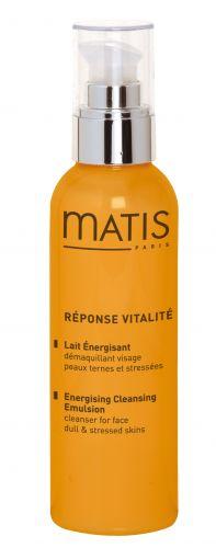 Junho 09: A emulsão de limpeza demaquilante Response Vitalite, da Matis Paris, promete remover até os mais resistentes resíduos de maquiagem, proporcionando uma sensação de frescor. Preço sugerido: R$ 84,90. SAC 0800-9709877