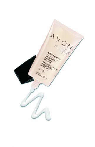 Julho 2009: O creme Magix, da Avon, promete disfarçar poros e linhas finas, além de controlar a oleosidade por até 10 horas e possuir FPS20. Preço sugerido: R$38,00. SAC: 0800 708 2866