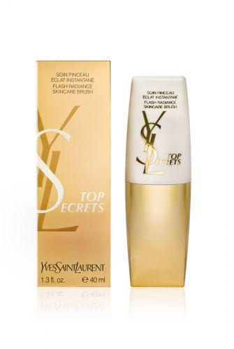 Agosto 2009: O creme de tratamento Top Secrets ? Flash Radiance Skincare da Yves Saint-Laurent promete estimular o brilho da pele e alisar linhas faciais. Preço sugerido: R$213,50. SAC 0800 727 5626