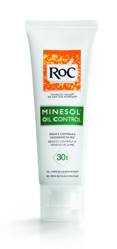 Setembro 2009: O Minesol Oil Control FPS 30, da RoC, é um protetor solar é indicado para quem tem pele oleosa. A fabricante promete, além de toque seco, capacidade de reduzir a oleosidade da pele. Preço sugerido: R$ 54,00. SAC: 0800 703 6363