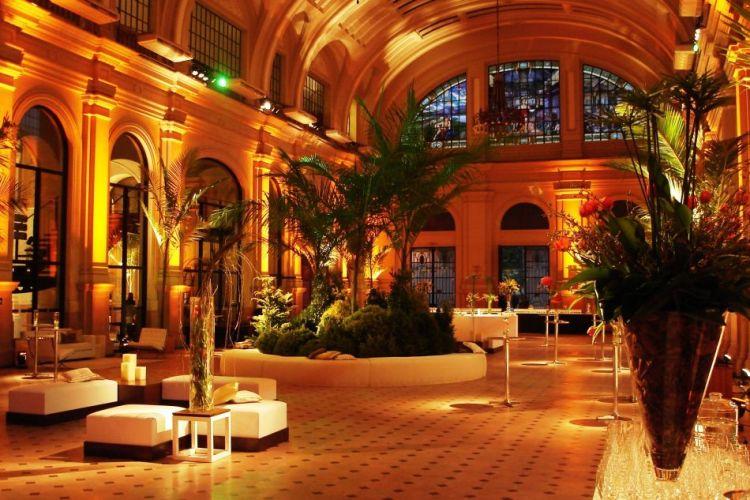 A Estação das Artes é o espaço principal do local e ideal para a festa, por comportar palco e pista de dança, para até 700 pessoas. Produção de Vinicius Goy e decoração da empresa Tomy Flores. Sala São Paulo - Tel.: 11 3367-9554