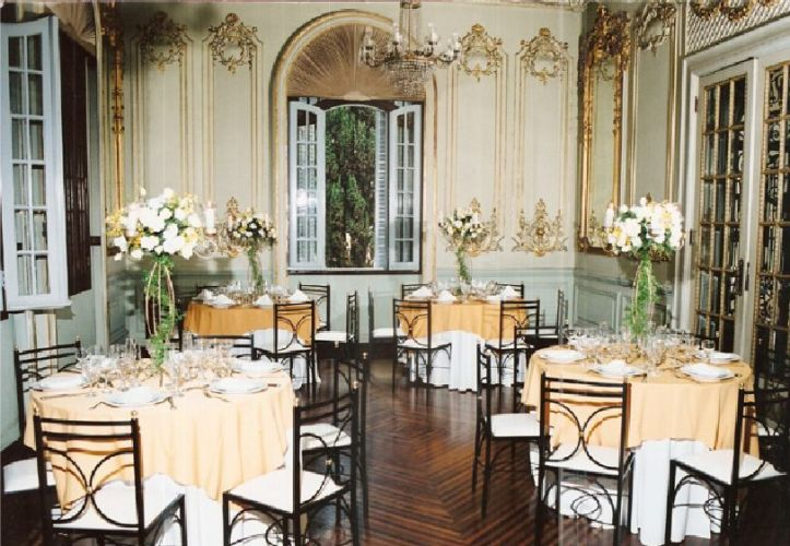 Interior dos palácios, decorado para jantar. Os dois palácios têm capacidade para 400 convidados para coquetel ou 250 para jantar em cada mansão. Palácio dos Cedros - Tel. 11 2272-1263