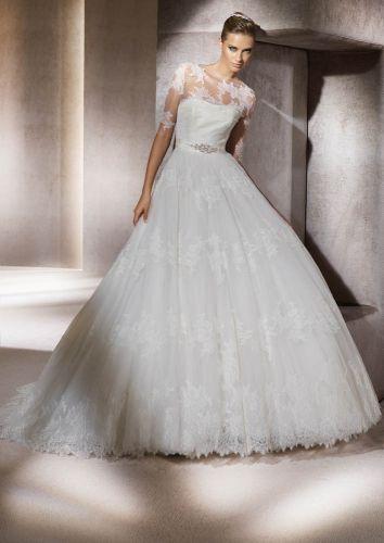 Rendas e transparências no vestido romântico da Pronovias