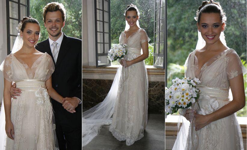 O vestido de noiva de Aninha (Juliana Boller) foi criado pela estilista Carol Nasser e foi ao ar depois de uma votação no site da novela
